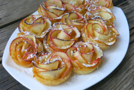 CLEVER BAKED APPLE ROSE TART, SWEET AND SIMPLE!