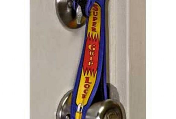 "HOME SECURITY  BE AWARE OF ""Bump Keys"""