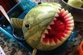 A WATERMELON SHARK! FRUIT SALAD MADE FUN AND DELICIOUS!